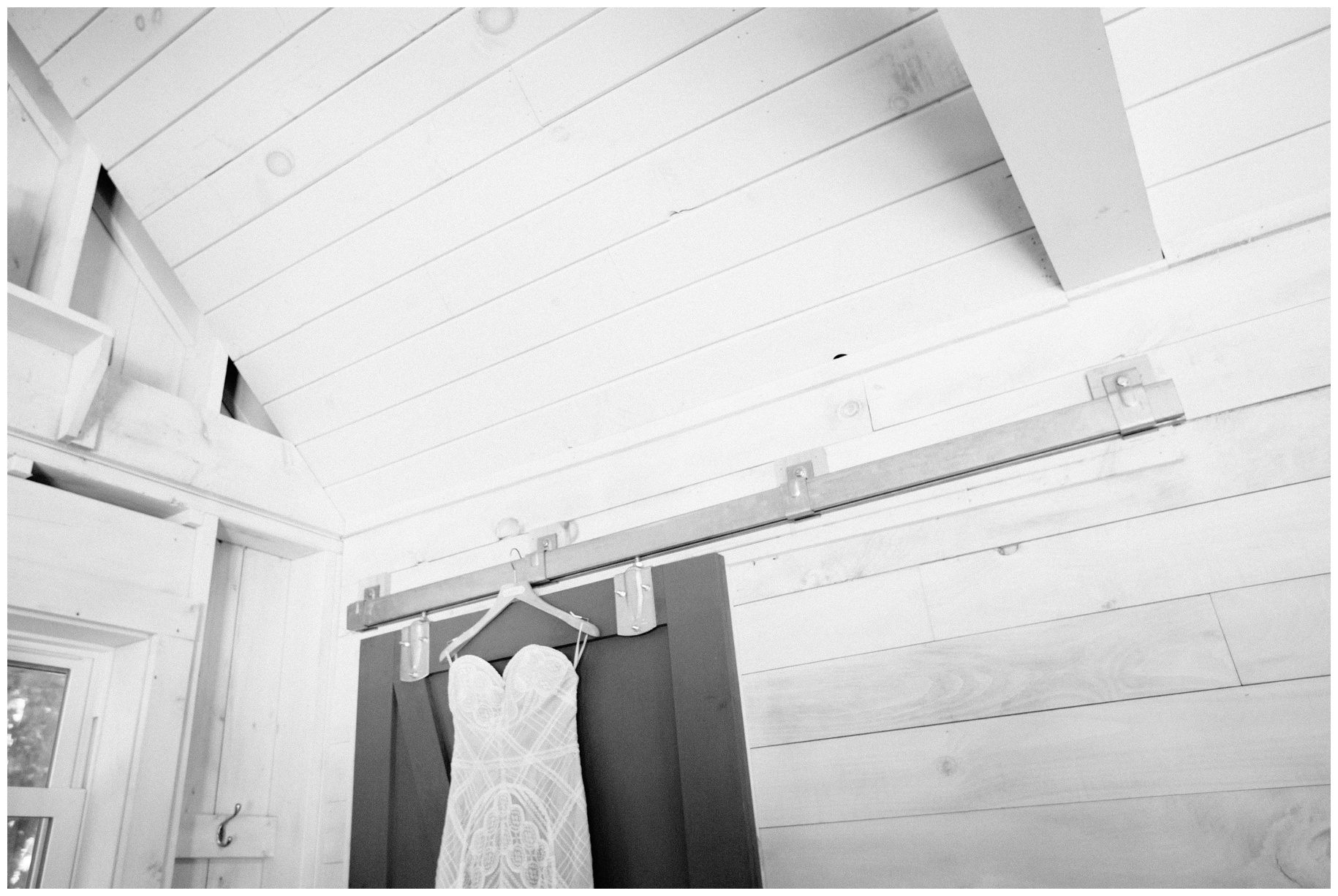 maineweddingphotographer_wiscassett_farm_barn_newengland-013