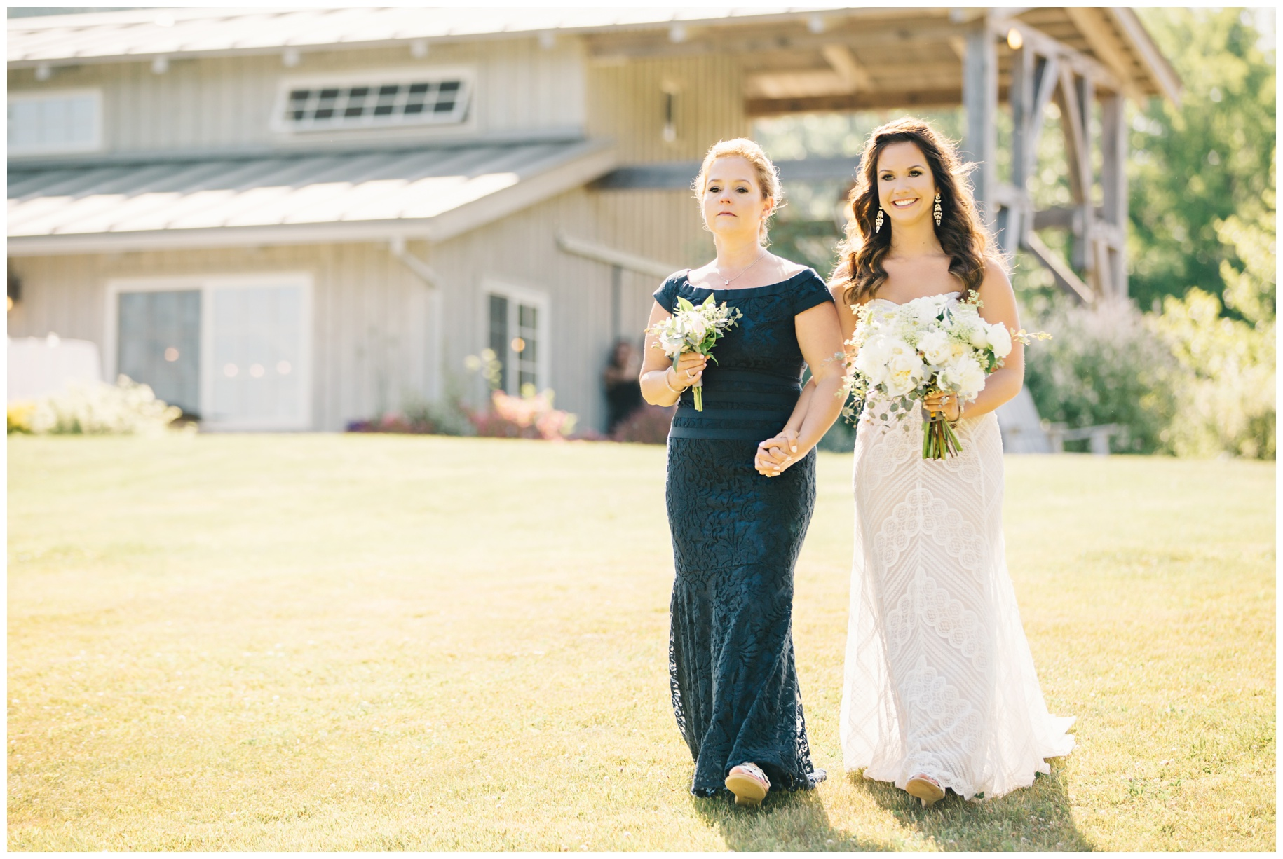 maineweddingphotographer_wiscassett_farm_barn_newengland-036