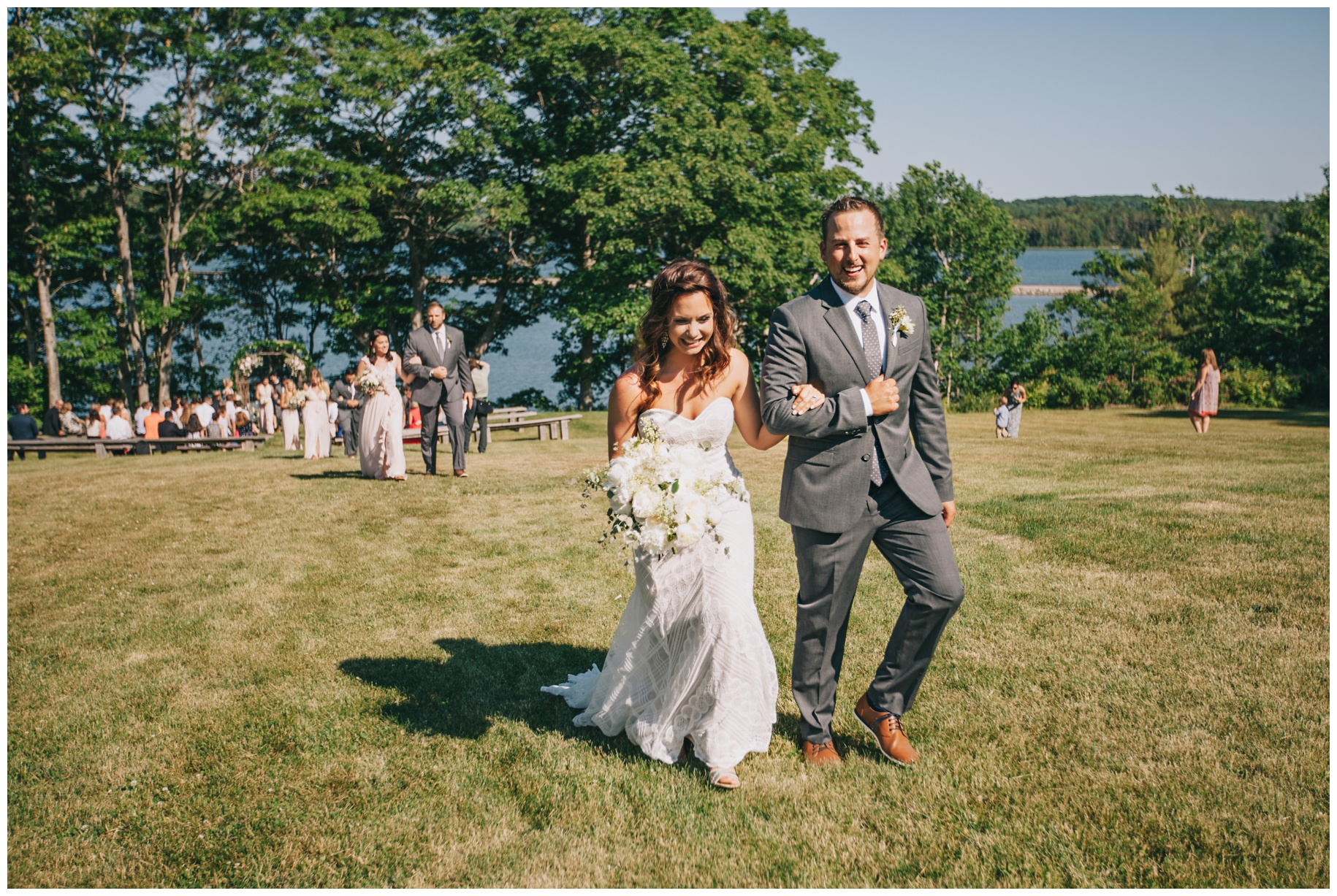 maineweddingphotographer_wiscassett_farm_barn_newengland-048