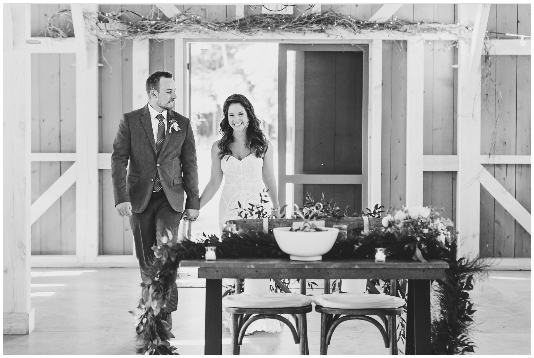 maineweddingphotographer_wiscassett_farm_barn_newengland-089