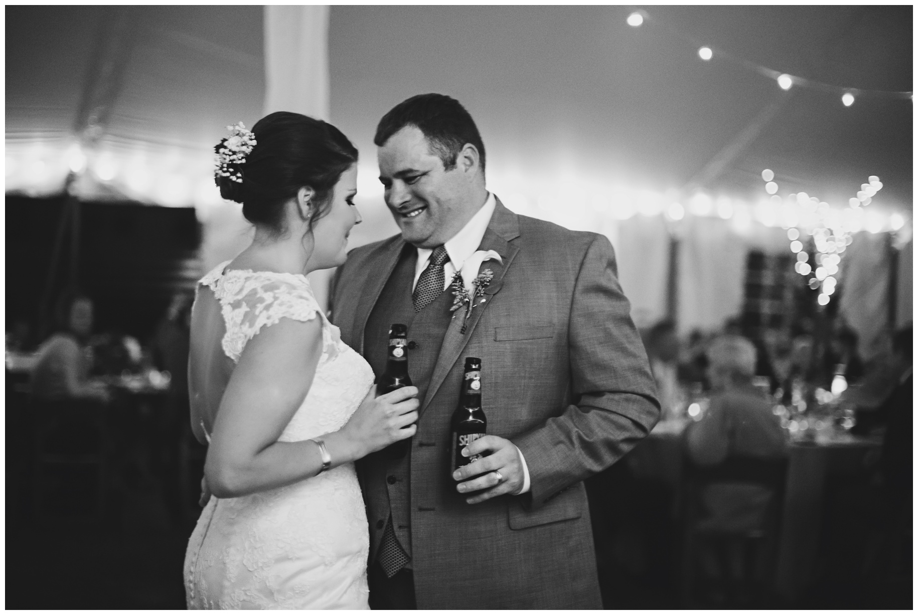 maineweddingphotographer_laudholmfarm_wells_barn_wedding-032