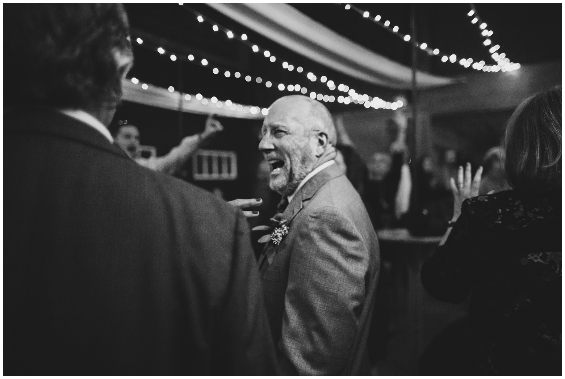 maineweddingphotographer_laudholmfarm_wells_barn_wedding-047