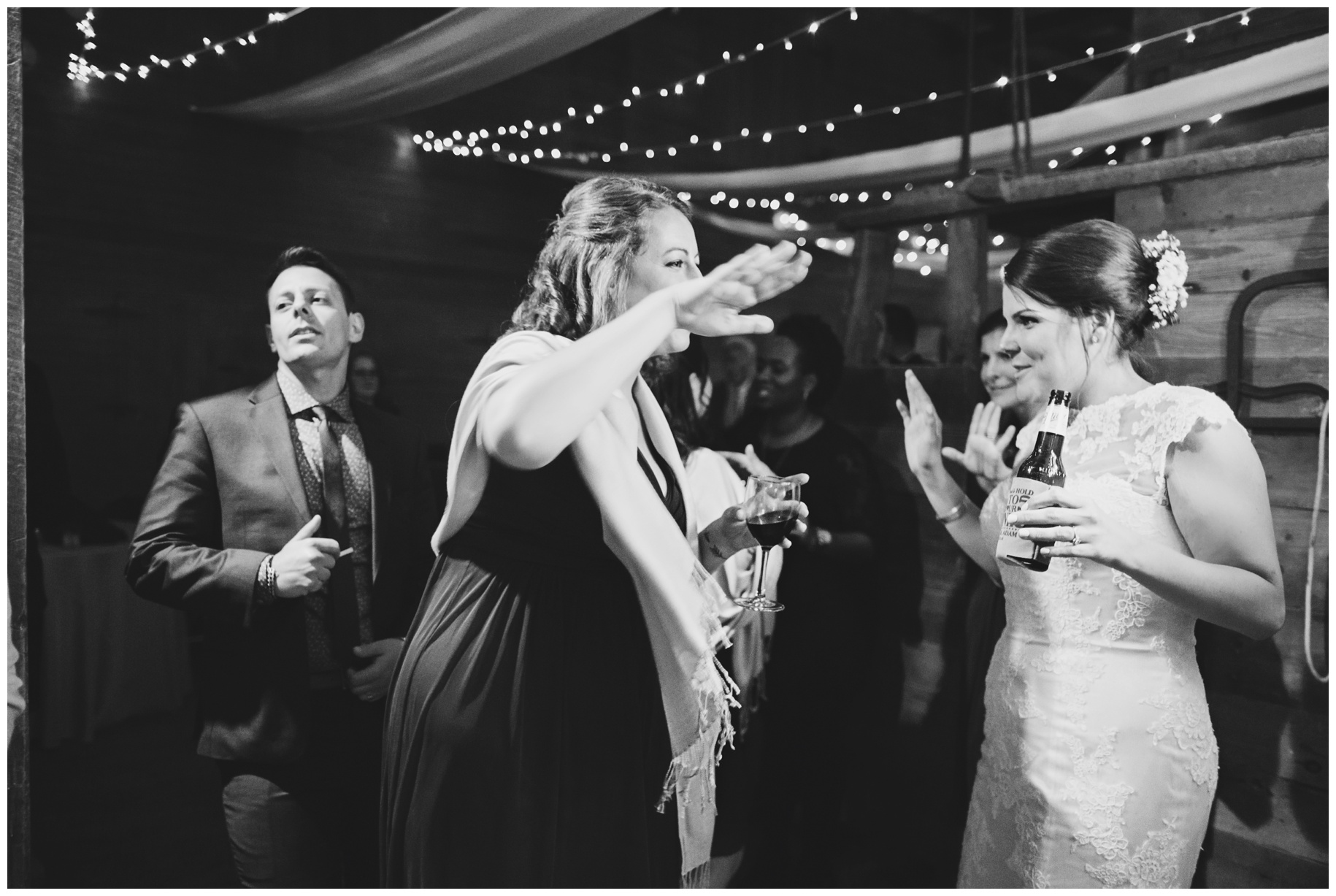 maineweddingphotographer_laudholmfarm_wells_barn_wedding-052